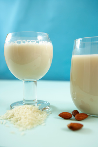Rice and almonds with rice milk and almond milk