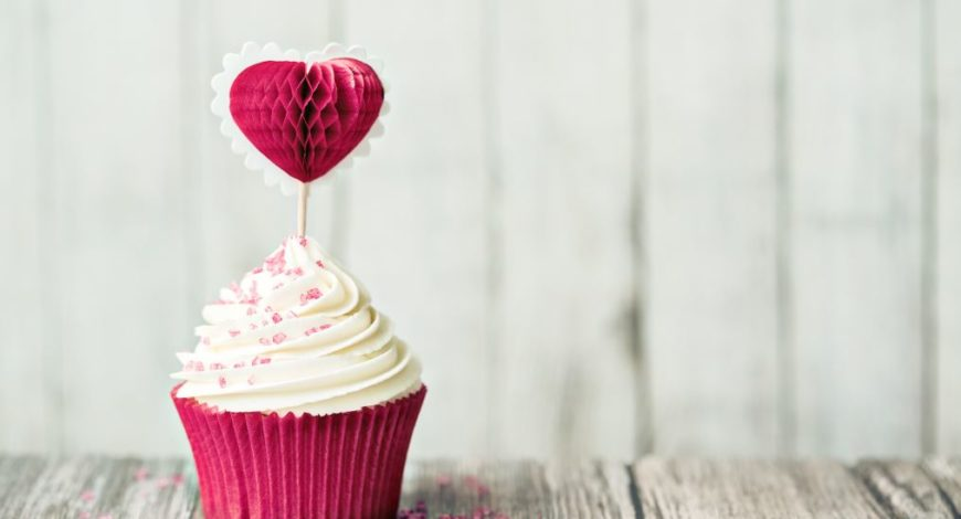 lovely Almond Breeze Valentines Cupcakes